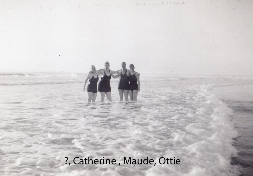 Beach costumes (5/6)