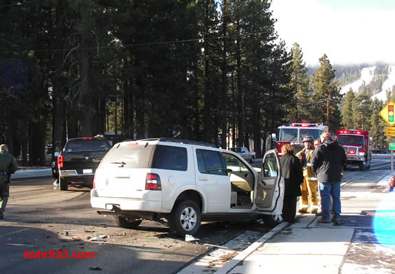 This two-vehicle collision (in front of Sizzler) prompted lane closures in the 8am hour today.