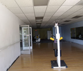 Weight Room store front is empty