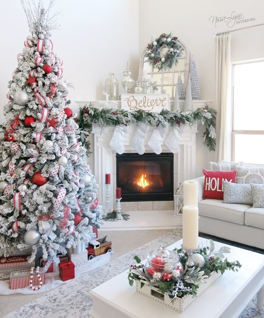 20 DIY Christmas and New year Mantel Fireplace Decor Ideas