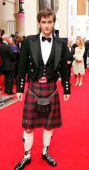 David Tennant in kilt, 2008. Image by Christine Van Assche, from Slidell, LA, USA (used with permission).