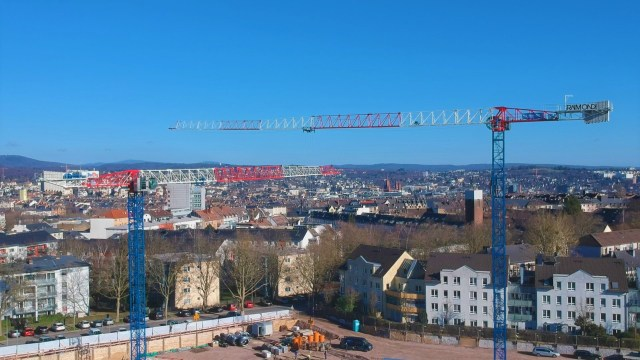 Two new Raimondi MRT234 flattop tower cranes at work in Wiesbaden, Germany