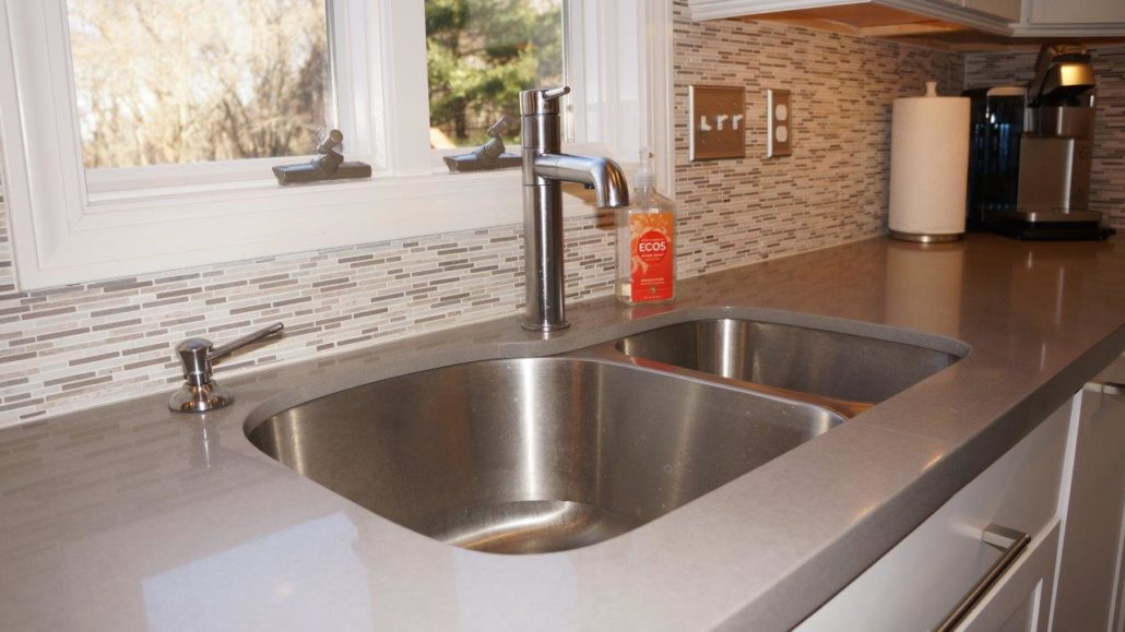 maple countertops kitchen farmhouse undermount sink saunderstown, ri | & countertop center of new england