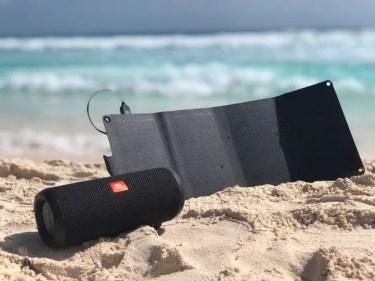 【クラウドファンディング】キャンプから旅行、そして防災時まで様々なシーンで活躍する 次世代のソーラー充電器「Solar7」が、クラウドファンディング中