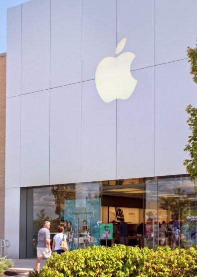 Apple-Store-in-Leawood
