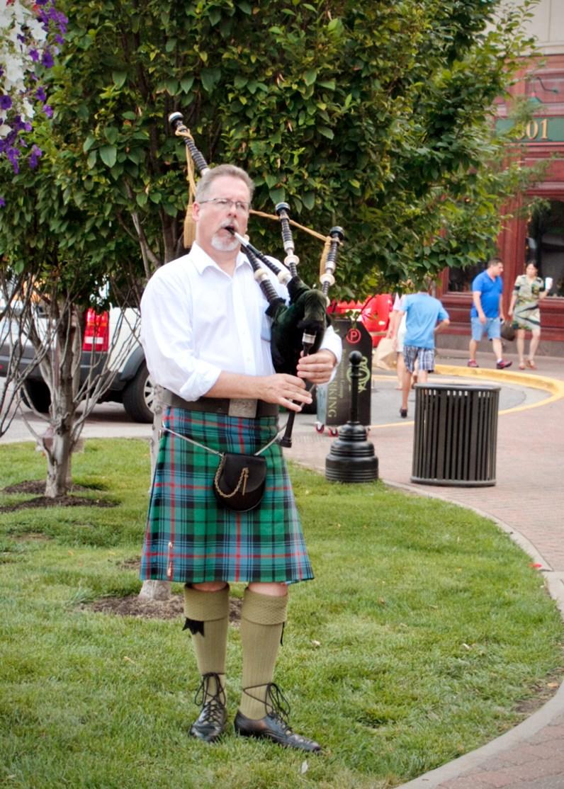 Musician at Park Place Leawood KS