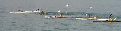 Der Kanu-Nachwuchs am Start zum Langstrecken-Wettkampf über 2'000 Meter. Auf den Bahnen 3, 4, 5 und 6 die Romanshorner Domenic Meier, Dario Galli, Joel Häni und Silvan Hug.