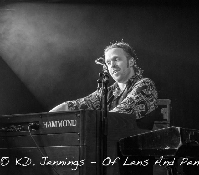 King King | Reaching For The Light Tour 2017 - Bob Fridzema