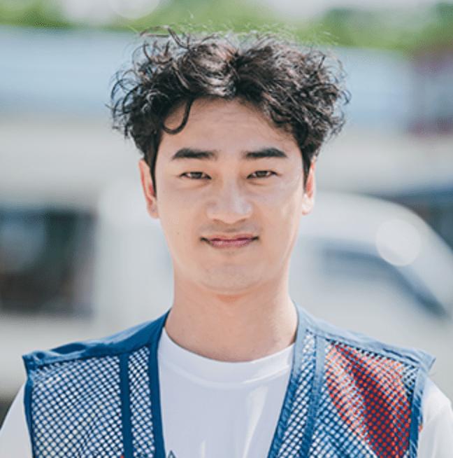 チェ・グムチョル(cast:ユン・ソクヒョン)