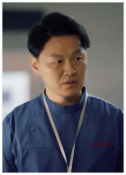 ウナム(cast:ヤン・ドングン)