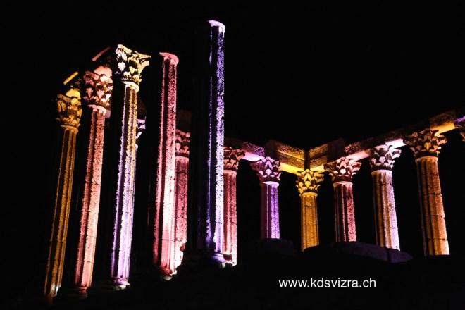 Gambar hiasan, puing sebegini merupakan warisan senibina Tamadun Yunani