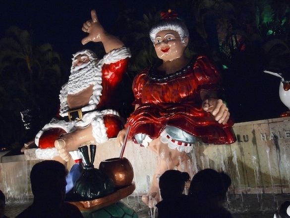 Christmas at Honolulu Hale - Santa and Mrs. Claus