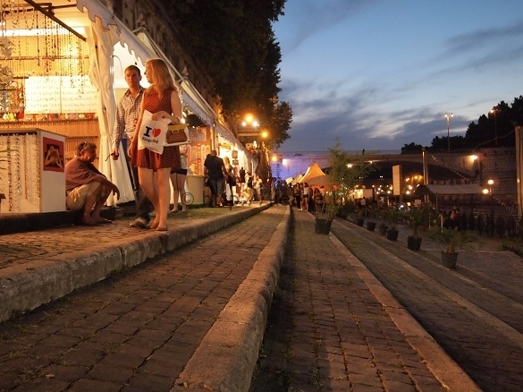 Summer Nights in Rome - Shops along the Tevere