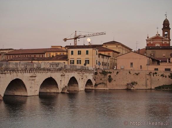 Ponte d'Augusto / Bridge of Tiberius with the nearly full moon