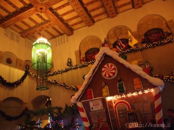 Honolulu City Lights - Christmas 2012 - Gingerbread House