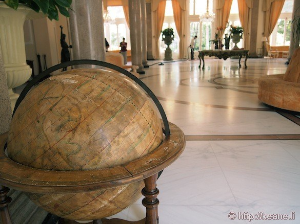 Grand Hotel Rimini - Globe in the lobby