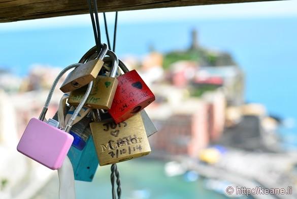 Cinque Terre - Love Locks on the Trail to Vernazza