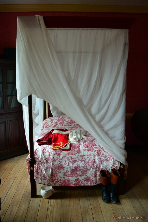 Colonial Williamsburg - Bed and Uniform