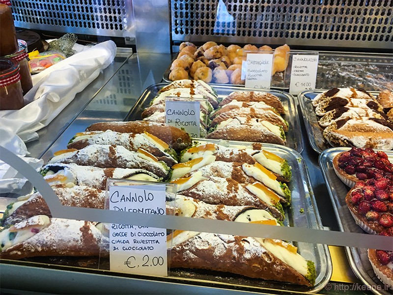 Cannoli at Antica Pasticceria Corsino in Palazzolo Acreide