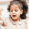 Beneficios de cantar en otro idioma