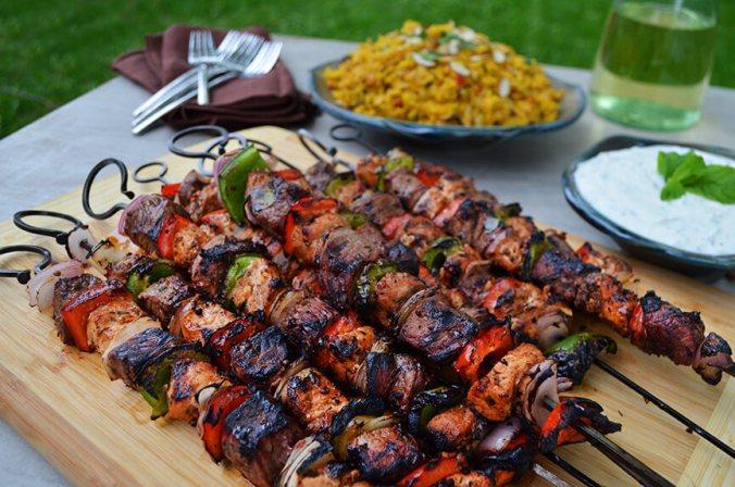 Šiš kebab - turecký pokrm podobný klasickým českým špízům - Kebabárenský slovníček
