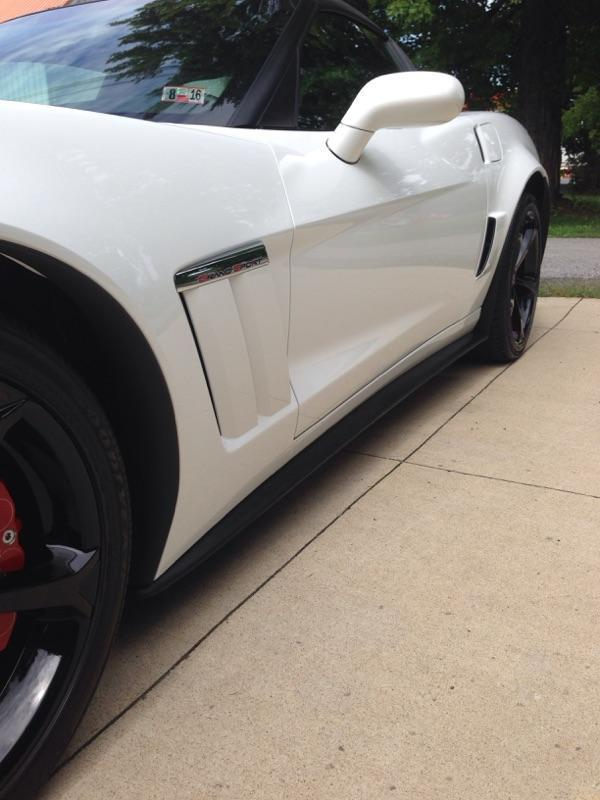 C6 Corvette Zr1// GS //Zo6 Black Primer Fiberglass Side Skirts Flaps W//HDWR 05-13