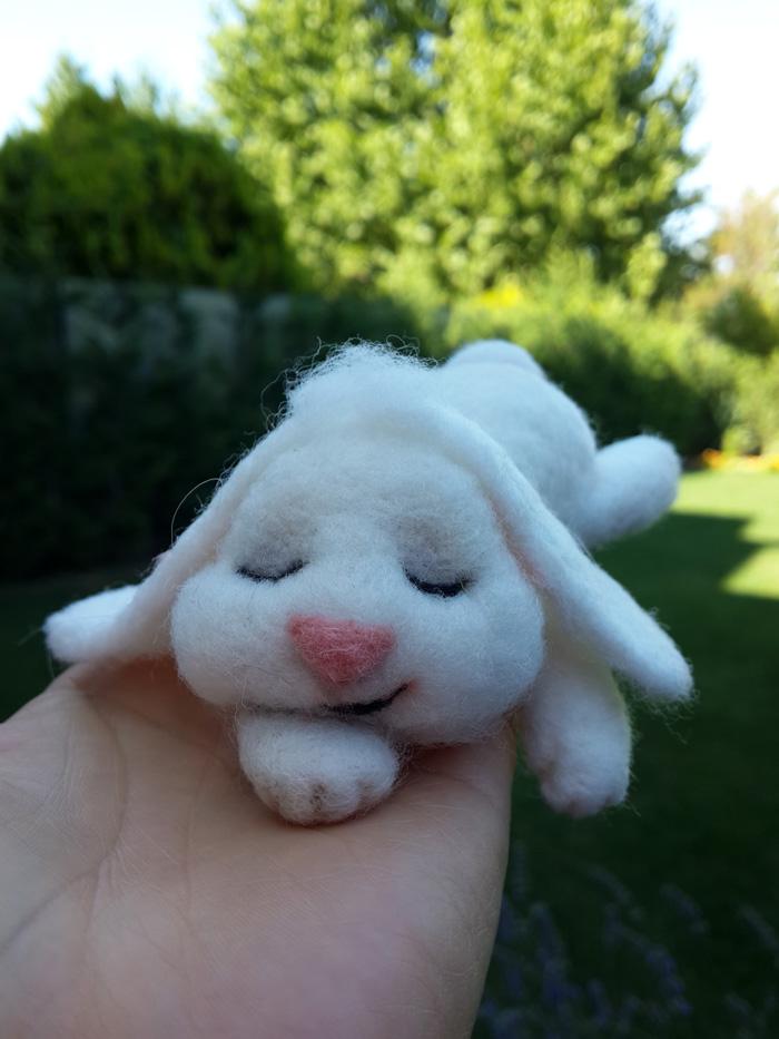 uyuyan tavşan ve totoro - özel sipariş - keçe iğneleme - keçe inadı