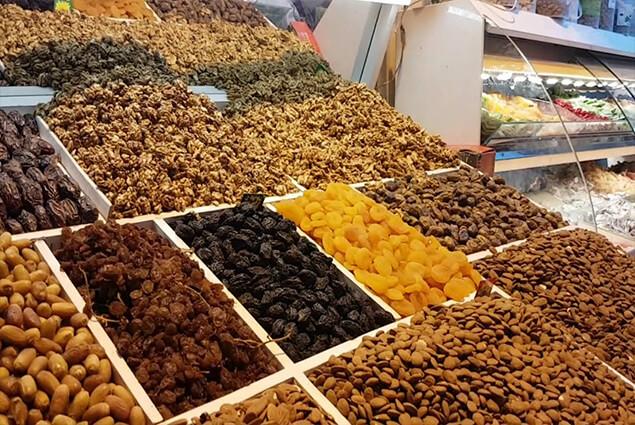 جمود يضرب سوق الفواكه الجافة في المغرب