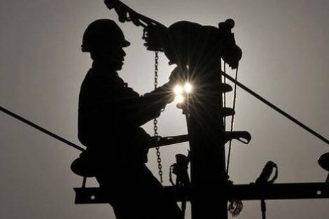 الانقطاع المتكرر للتيار الكهربائي يضر بمصالح سكان ومقاولات في حي بمراكش