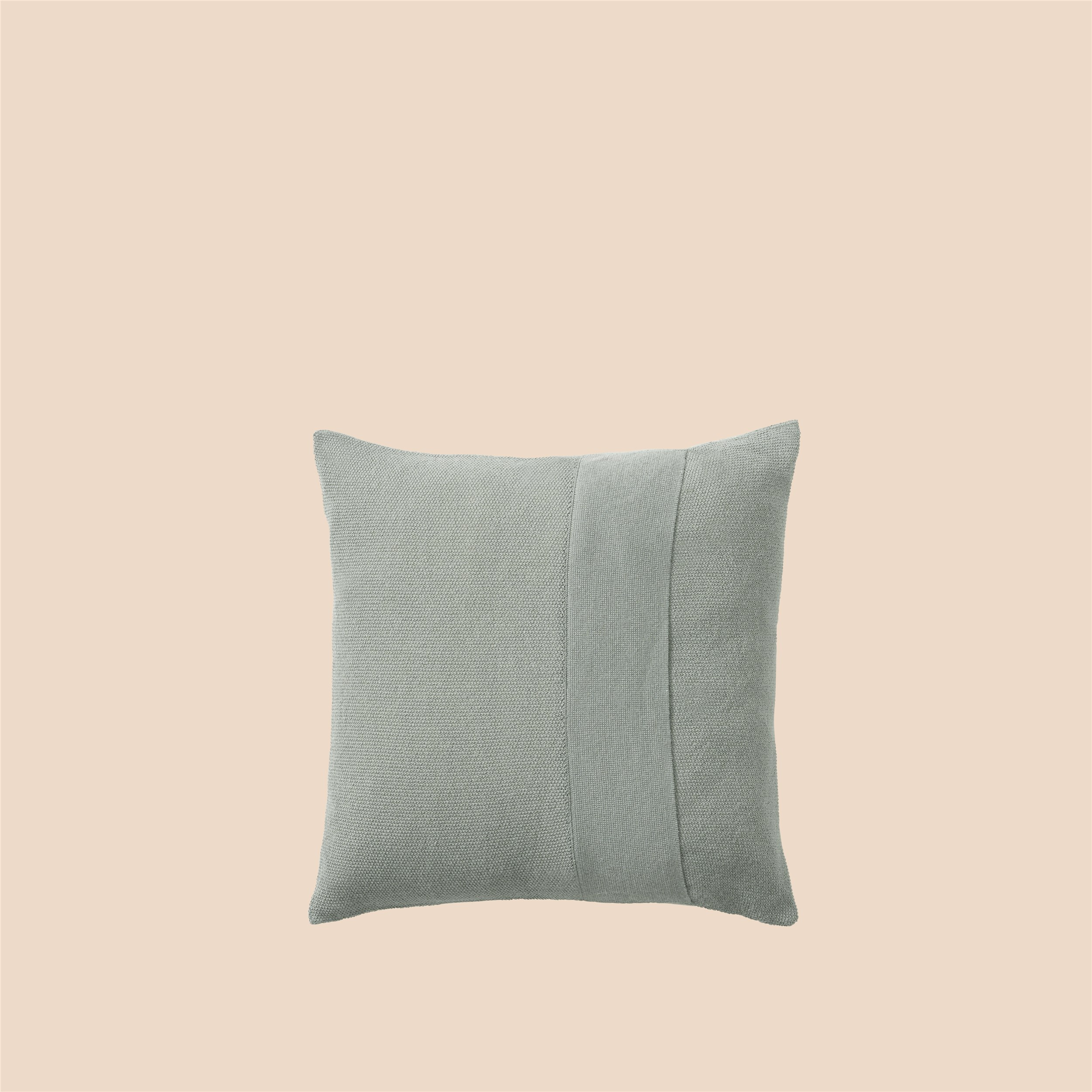 Layer Cushion 50x50 sage green