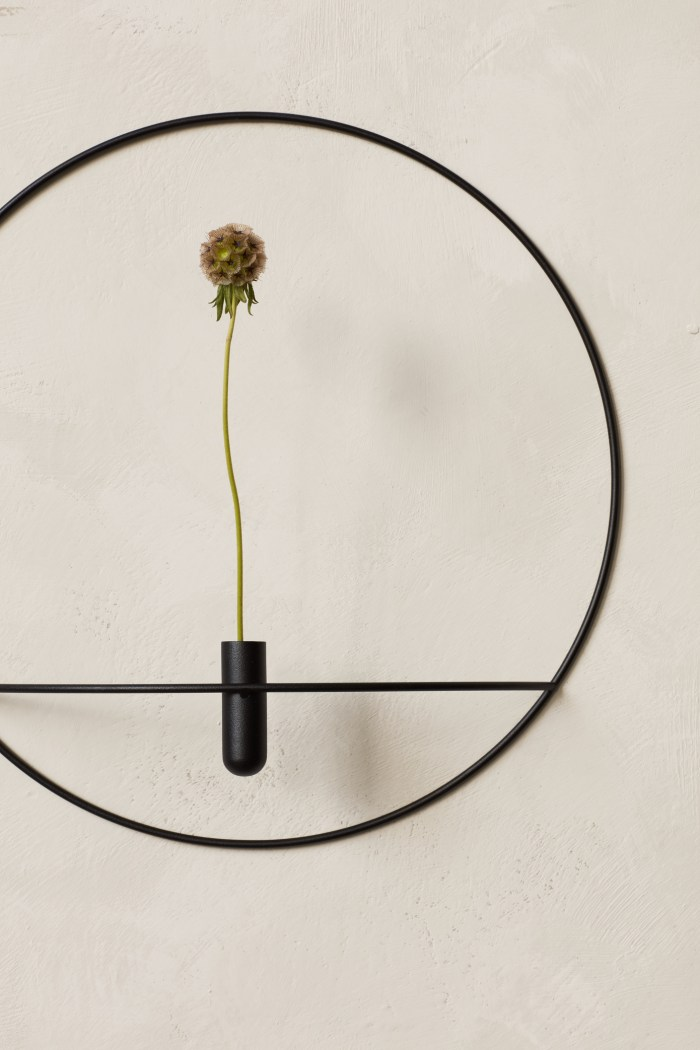 Menu POV Circle Vase/Candleholder Black