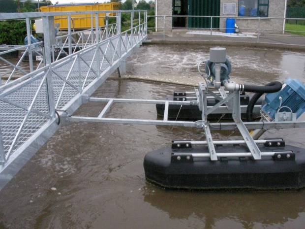 3.7kW Tritons® fixed on a tri-pontoon float. The Triton® can be bridge or side-wall mounted.