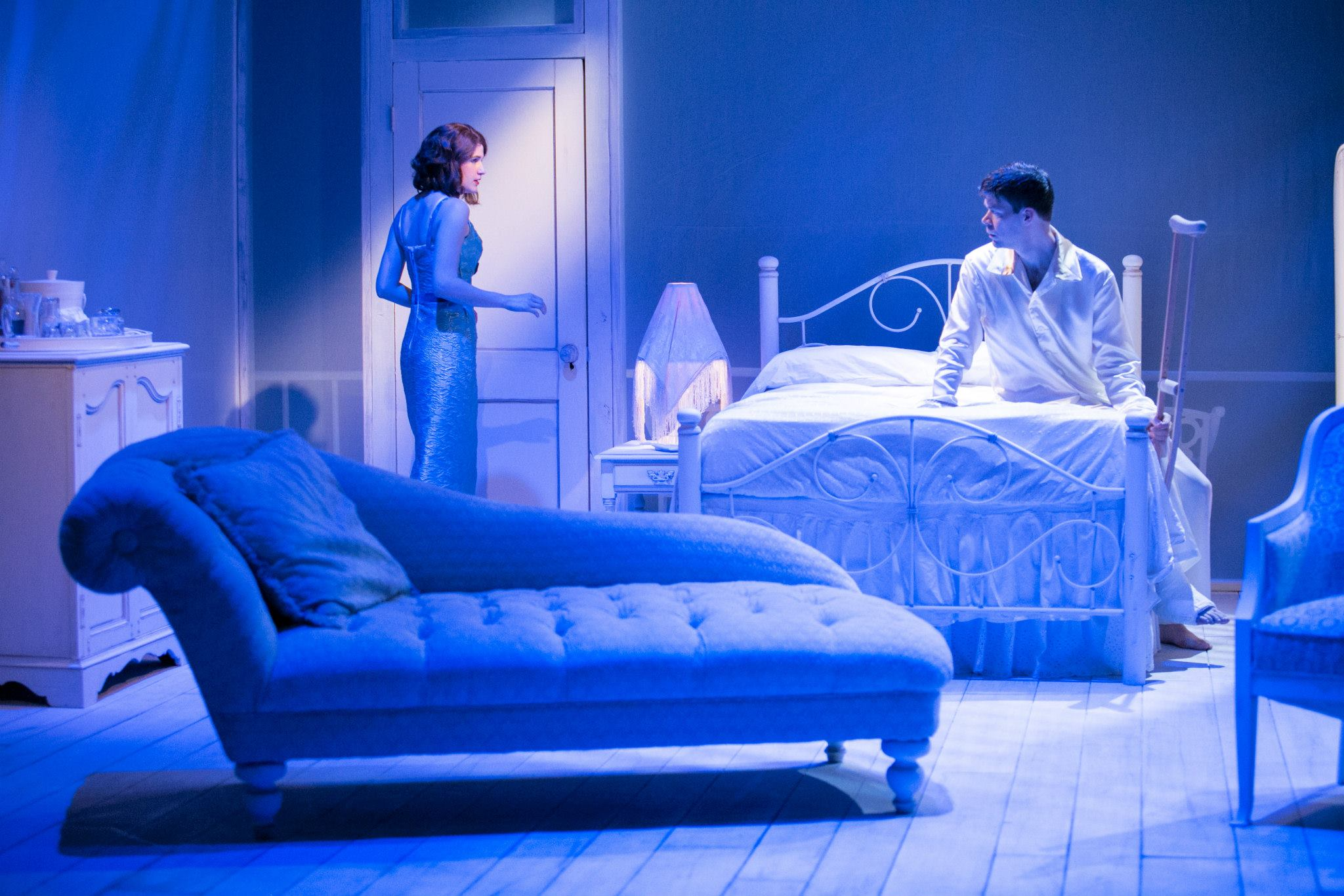 CAT ON A HOT TIN ROOF Photo: Cameron Whitman Photography