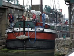 Southcliffe in the lock with Goff and Ernie on crew duties
