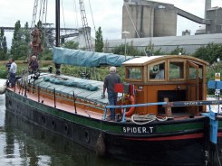 Spider T on the Ancholme heading for her moorings