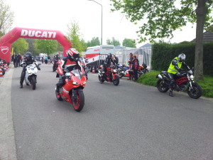 ducati_start_800