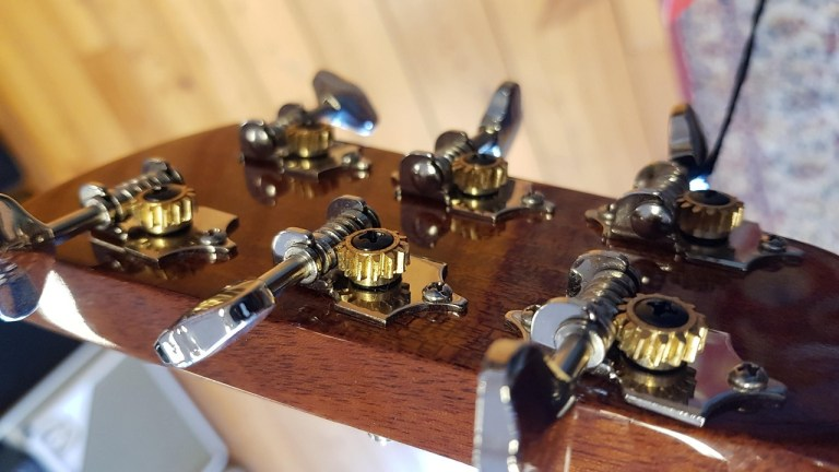 Read more about the article Notes on acoustic electric guitar selection (part 2)