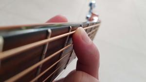 Read more about the article Memorizing notes on the fretboard