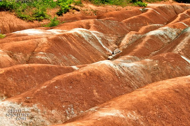 10 Day Trips from Toronto: Visit Cheltenham Badlands