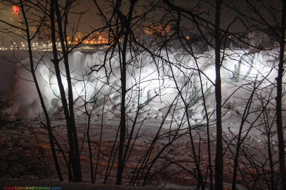 Frozen Niagara Falls Looks Like an Outdoor Art Installations