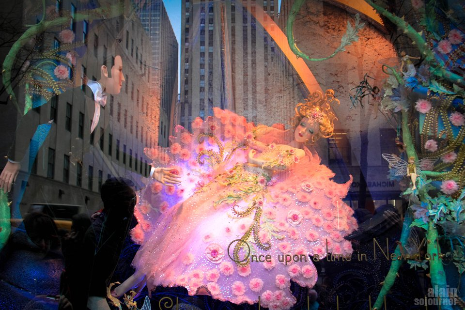 Saks Fifth Avenue / Christmas in New York.