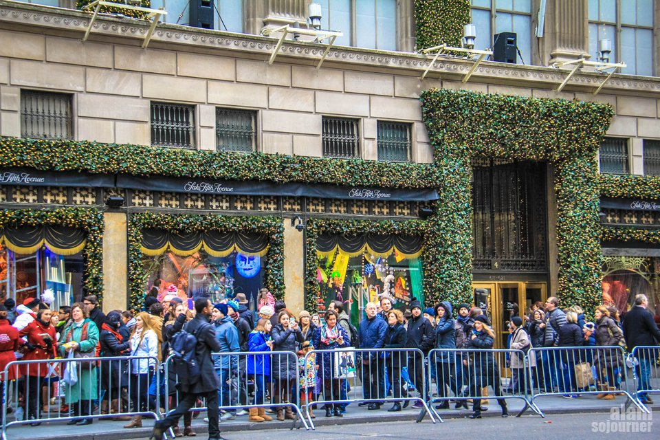 Christmas in New York / Saks Fifth.