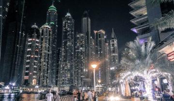 Dubai Marina at night is splendid.