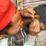 Street Ear Cleaning is a Thing in India