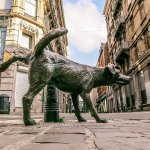 These Peeing Statues Are Tourist Attractions in Brussels