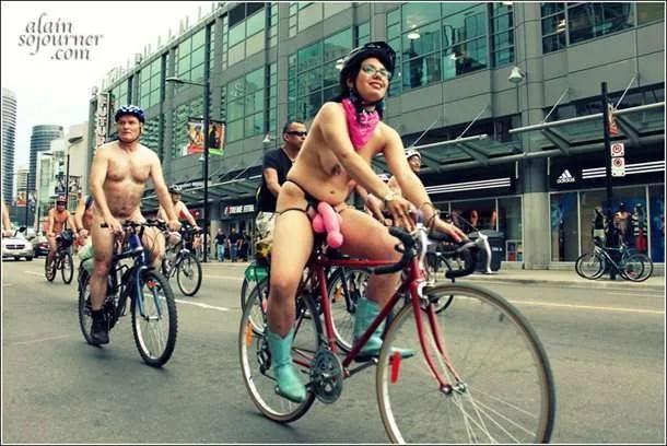 2011-World-Naked-Bike-Ride-Toronto-6