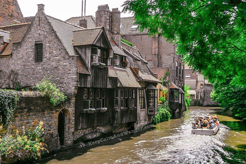 Canal Boat Trip / I Spent a Day in Bruges and I did My Own Walking Tour (Belgium).