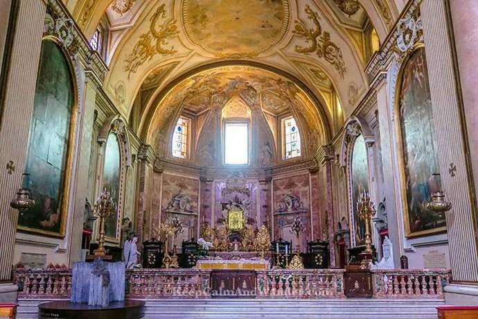 The Basilica de Maria Degli Angeli del Martiri (Basilica of Santa Maria, Angels and Martyrs) (Rome, Italy).