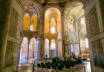 Basilica de San Vitale / A Day Trip to the City of Ravenna Where Dante is Laid to Rest (Italy).