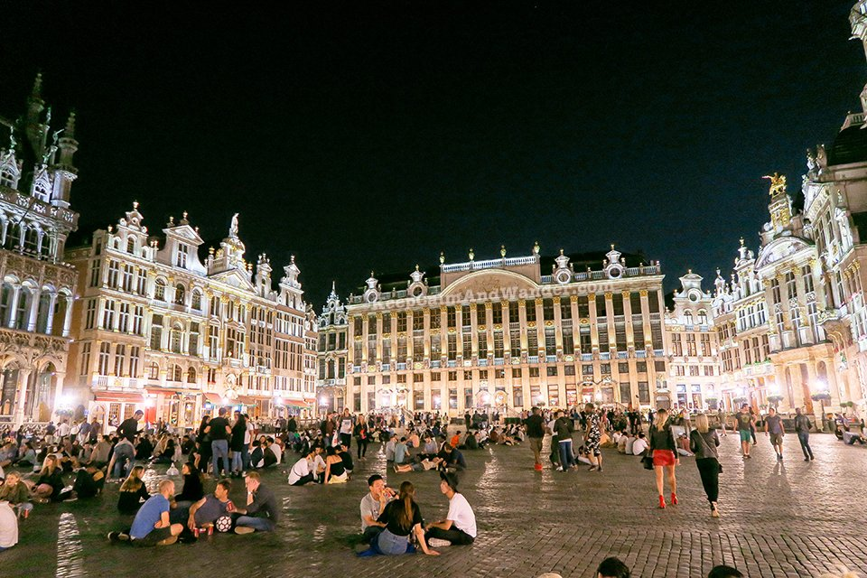 I Visited Grote Markt in Brussels at Midnight And I Was Surprised to See a Crowd of Hedonists (Belgium).